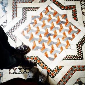 Kunstvoller Mosaikboden